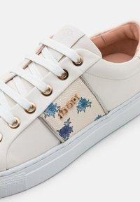 JOOP! - CORTINA LISTA CORALIE  - Sneakersy niskie - offwhite - 6
