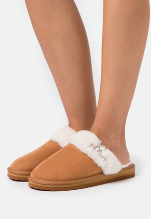 Slippers - chesnut