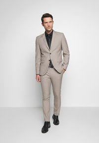 Selected Homme - SLHSLIM SUIT - Kostym - beige - 1