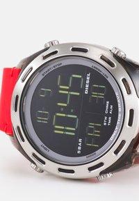 Diesel - CRUSHER - Digital watch - red/black - 5
