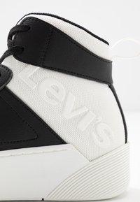 Levi's® - MULLET  - Vysoké tenisky - regular black - 2
