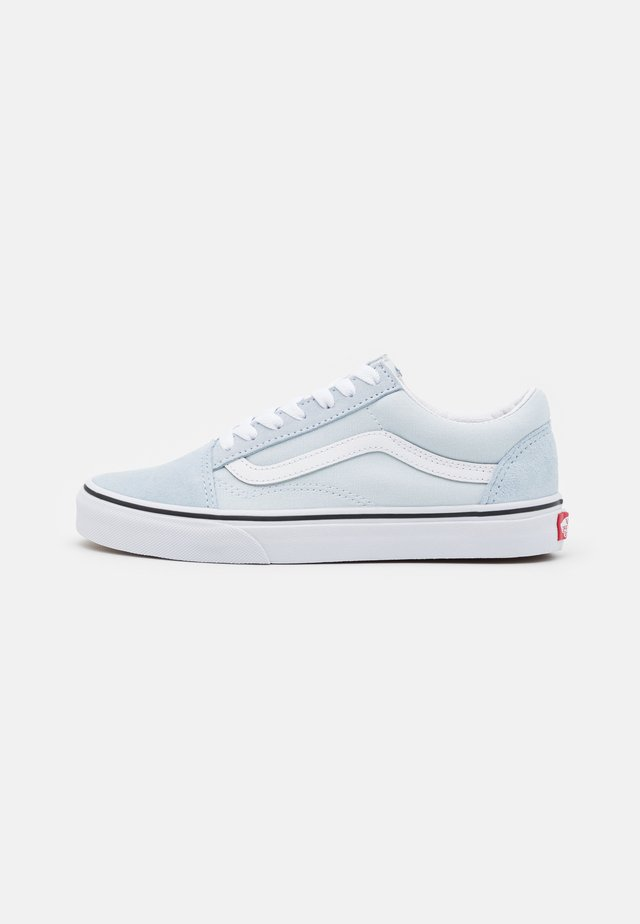 OLD SKOOL UNISEX - Trainers - ballad blue/true white
