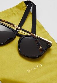 Gucci - Sunglasses - black/gold/grey - 5