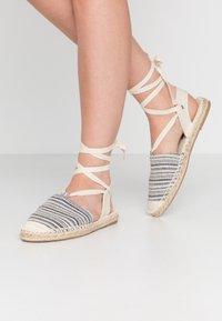 Vero Moda - VMTILA  - Loafers - black - 0
