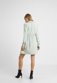 Miss Selfridge Petite - DRESS - Vapaa-ajan mekko - green - 3