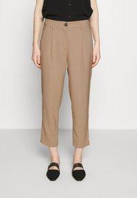 Opus - Spodnie materiałowe - soft ginger - 0