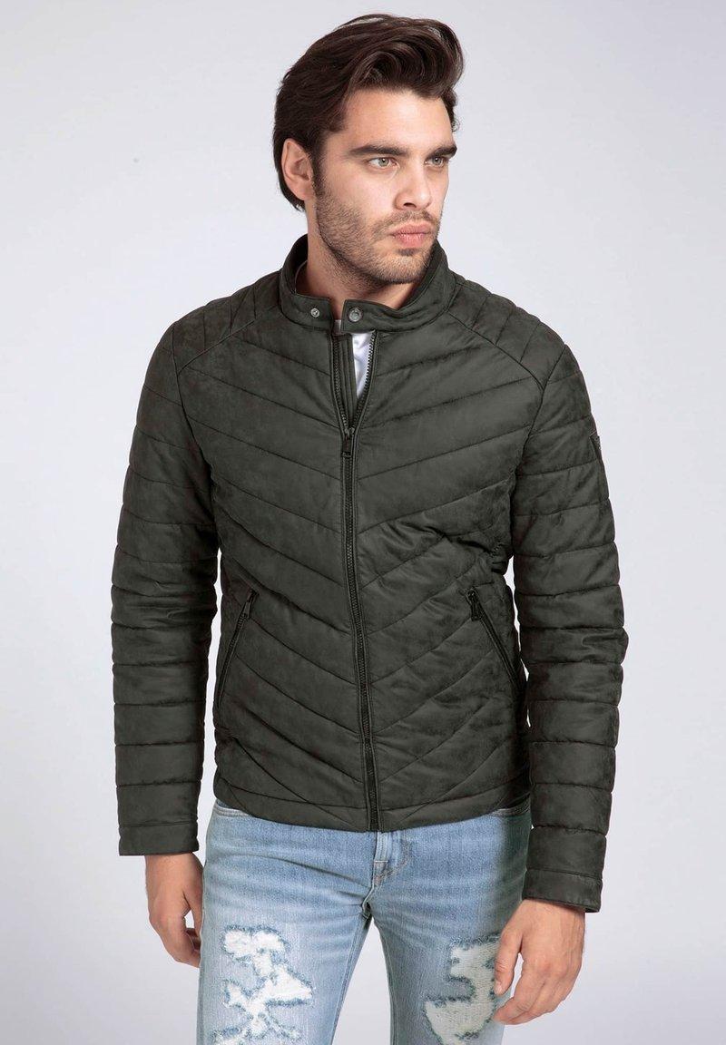Guess - Light jacket - schwarz