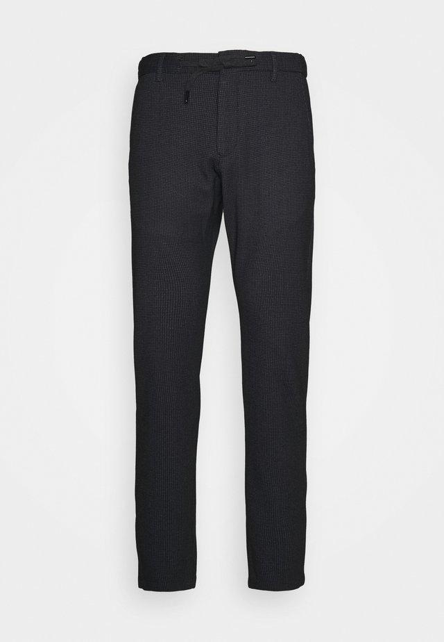 MAXTON - Pantalon cargo - black