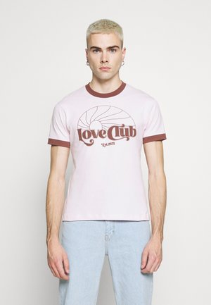 CURLYFRYSFEED LOVE CLUB RINGER - T-shirt med print - pink