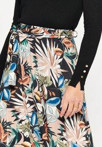 LolaLiza - Maxi skirt - multicolor - 3