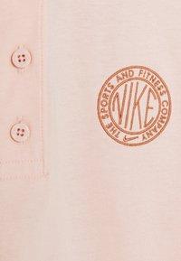 Nike Sportswear - FEMME CROP - Poloshirt - orange/terra blush - 5