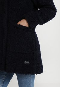 Bergans - OSLO LOOSE FIT - Zimní kabát - dark navy - 5