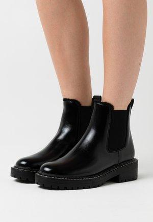 ONLBOLD CHELSA BOOTIE - Platform ankle boots - black