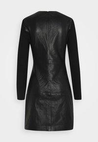 ONLY - ONLLENA DRESS - Denní šaty - black - 6