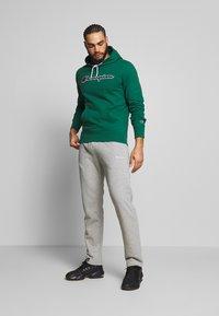 Champion - ROCHESTER HOODED - Bluza z kapturem - dark green - 1