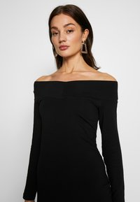 Even&Odd - BASIC - OFF-SHOULDER MINI LONG SLEEVES DRESS - Pouzdrové šaty - black - 3