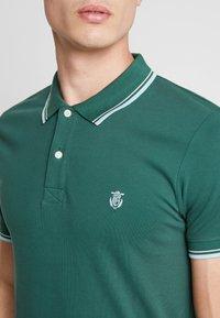 Selected Homme - SLHNEWSEASON - Polo shirt - trekking green - 4