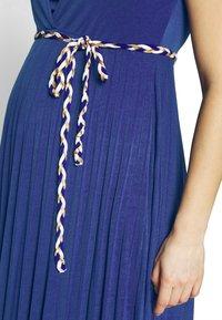 Pomkin - IMANI - Maxi šaty - indigo - 4
