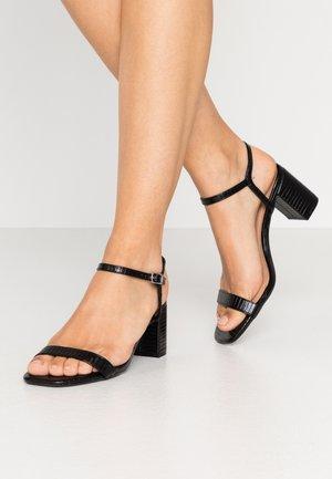 TIFAR - Sandaalit nilkkaremmillä - black