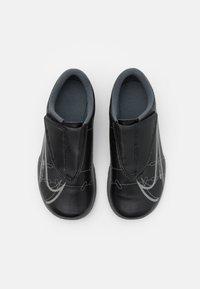 Nike Performance - MERCURIAL JR VAPOR 14 CLUB IC UNISEX - Indoor football boots - black/iron grey - 3