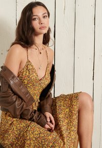 Superdry - MARGAUX - Maxi dress - autumn ditsy gold - 2