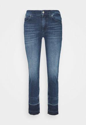 MID RISE ANKLE PANT - Slim fit jeans - rachel mid blue