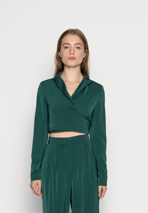 CROP WRAP BLAZER WITH BACK OR FRONT TIE DETAIL - Blouse - deep green