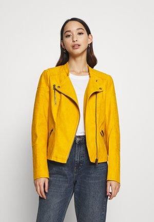 ONLAVA BIKER  - Imitert skinnjakke - golden yellow