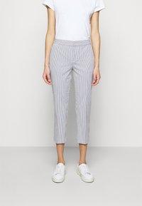 Lauren Ralph Lauren - SEERSUCKER PANT - Trousers - navy/white - 0