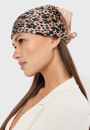 Ear warmers - brown/light pink