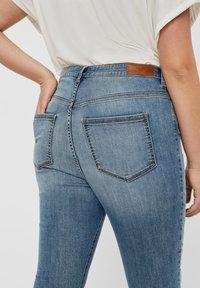 Vero Moda Curve - VERO MODA CURVE SKINNY FIT JEANS VMSOPHIACURVE HIGH WAIST - Jeans Skinny Fit - light blue denim - 3