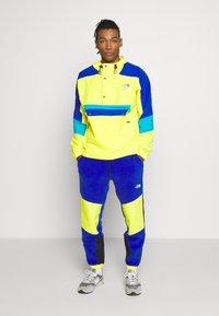 The North Face - EXTREME PANT - Pantalon de survêtement - blue combo - 1