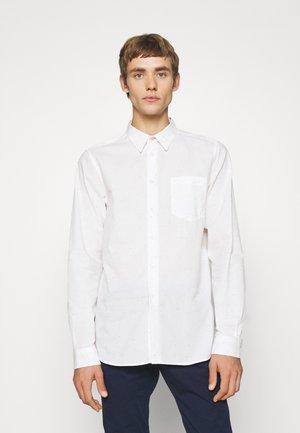 SHIRT REGULAR FIT - Košile - white