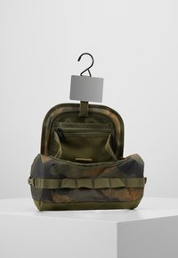 The North Face - TRAVEL CANISTER - Wash bag - burnt olive green - 6