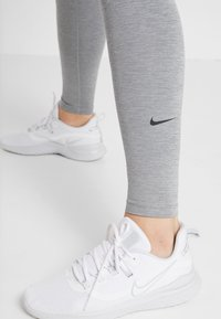 Nike Performance - ONE - Medias - dark grey/heather/black - 3