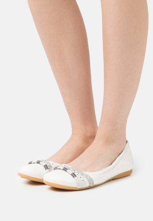 CHANTAL CHANTALLY - Ballet pumps - bianco/argento