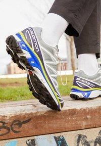 Salomon - XT 6 UNISEX - Sneakers - quarry/white/primrose - 2