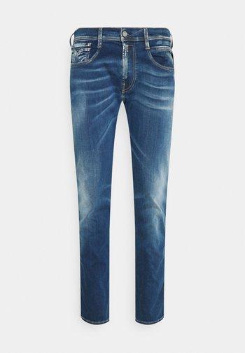 ANBASS HYPERFLEX REUSED X LITE - Jeans slim fit - medium blue