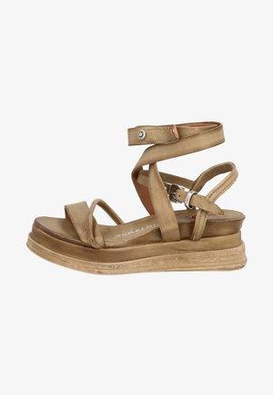 Wedge sandals - africa