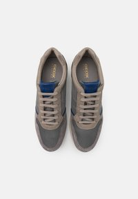 Geox - AVERY - Sneakers basse - anthracite - 3