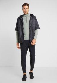 Nike Performance - T-shirt de sport - juniper fog/jade horizon - 1