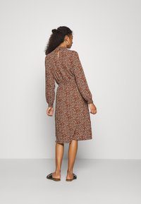 ONLY - ONLNOVA LUX SMOCK BELOW KNEE DRESS - Kjole - tortoise shell - 2