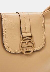 Esprit - Across body bag - camel - 5