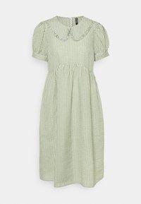 Pieces Petite - PCIDA MIDI DRESS - Shirt dress - bright white/turtle green - 0