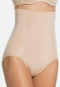 Spanx - Shapewear - soft nude - 0