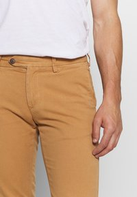 GANT - SLIM STRUCTURE  - Chinos - clay - 4
