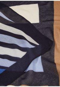 s.Oliver BLACK LABEL - Foulard - dark blue aop - 4