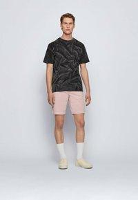 BOSS - TSOIL - Print T-shirt - black - 1