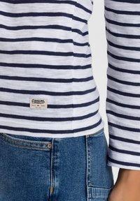 Cross Jeans - Long sleeved top - white/navy - 4