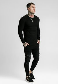 SIKSILK - LONG SLEEVE BRUSHED GYM TEE - Langarmshirt - black - 1